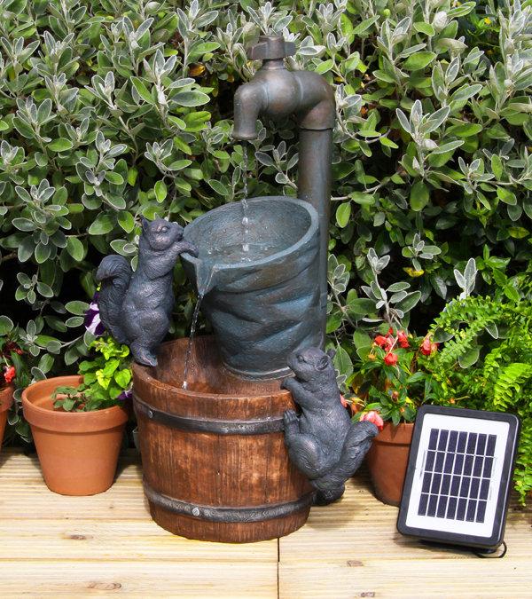 solarbrunnen wasserhahn und eichh rnchen 99 99. Black Bedroom Furniture Sets. Home Design Ideas