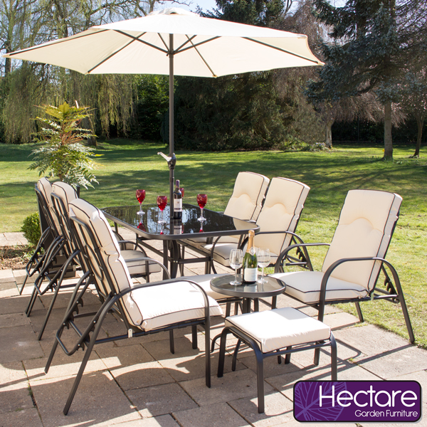 hectare gartenm bel set hadleigh mit sitzkissen und sonnenschirm 699 99. Black Bedroom Furniture Sets. Home Design Ideas