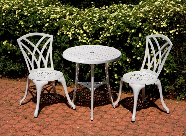 alium harrison garten bistro set f r 2 personen in wei 169 99. Black Bedroom Furniture Sets. Home Design Ideas