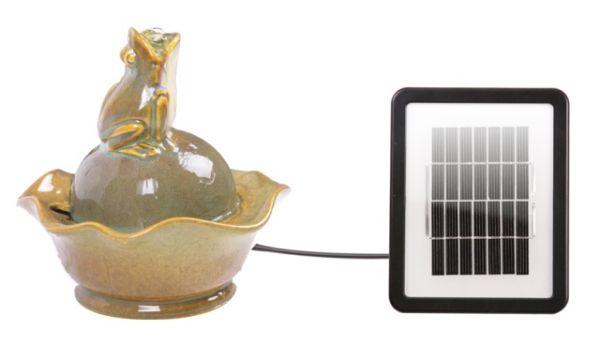 solarbrunnen frosch und lilie 44 99. Black Bedroom Furniture Sets. Home Design Ideas