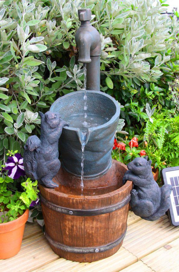 72cm Solarbrunnen Wasserhahn Und Eichhörnchen Solaray 10999